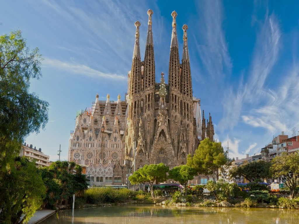 how to spend a weekend in barcelona
